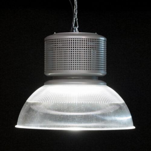 Performer IV led hanglamp dali-dimbaar klokarmatuur met prismatische reflector metaaldeel in alu-perfo