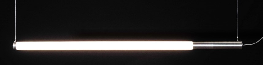 Tisina Solo led Tube 50 mm hanglamp horizontaal Opaalbuis 1200 mm met alu blindstuk 300 mm, staalkabels