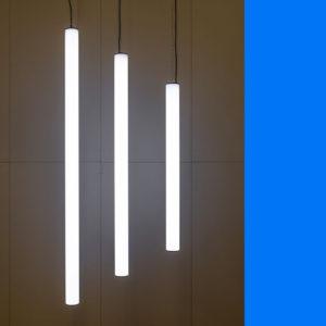 3 verschillende lengten verticaal afgehangen Led opaalbuizen TISINA 100 Led Lichtbuis Dali dimbaar